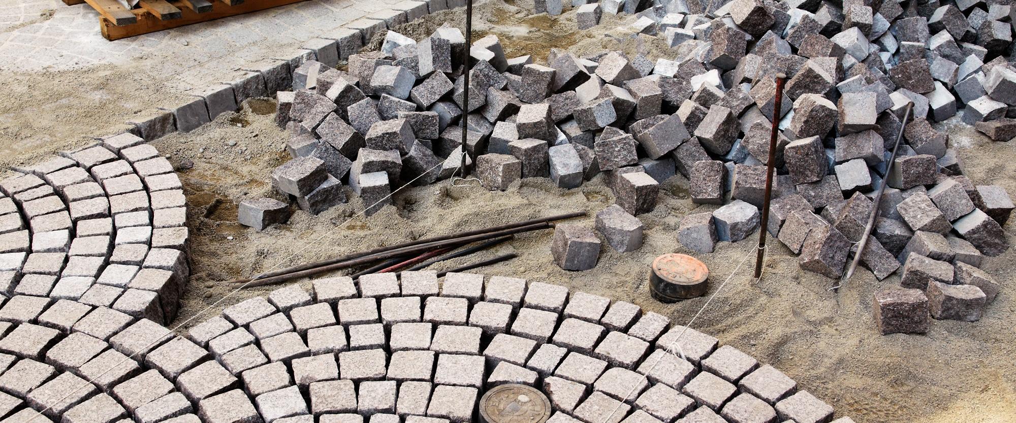 Betonpflastersteine und Platten